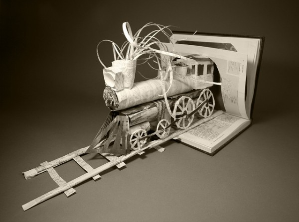 Livr -sculpture train